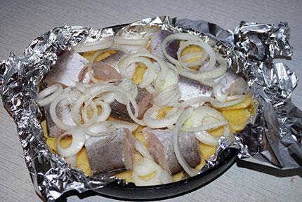 запеченный минтай в духовке с картошкой