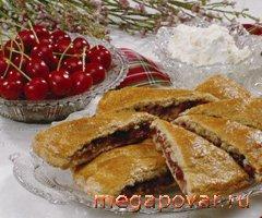 Мини-пирог с сезонными фруктами – кулинарный рецепт